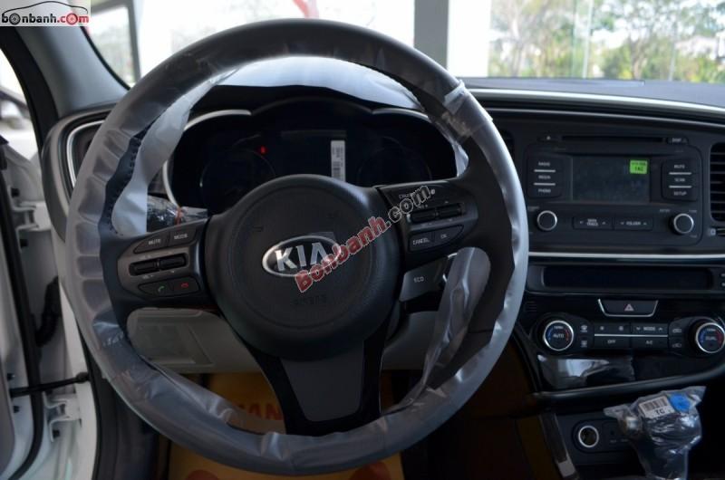 Cần bán xe Kia Optima đời 2015, màu trắng, nhập khẩu chính hãng
