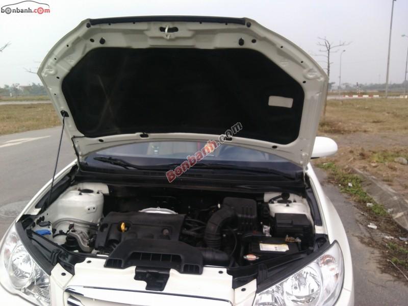 Bán Hyundai Elantra MT đời 2011, màu trắng còn mới