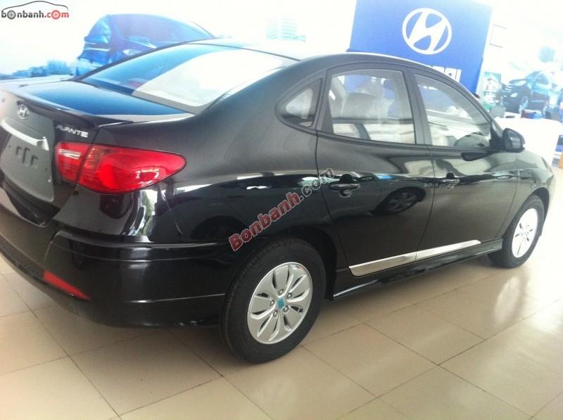 Bán Hyundai Avante MT sản xuất 2015, màu đen giá 562tr