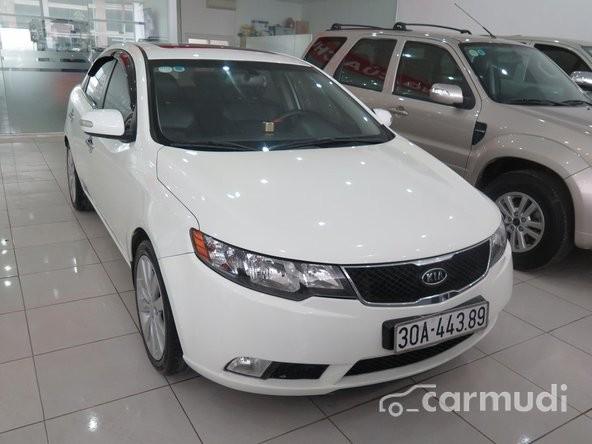 Cần bán gấp Kia Forte SLI AT đời 2009, màu trắng