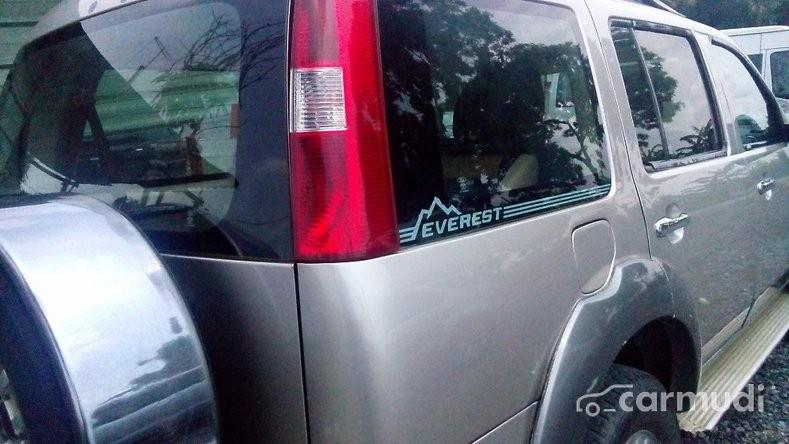 Lên đời xe cần thanh lý Ford Everest đời 2004