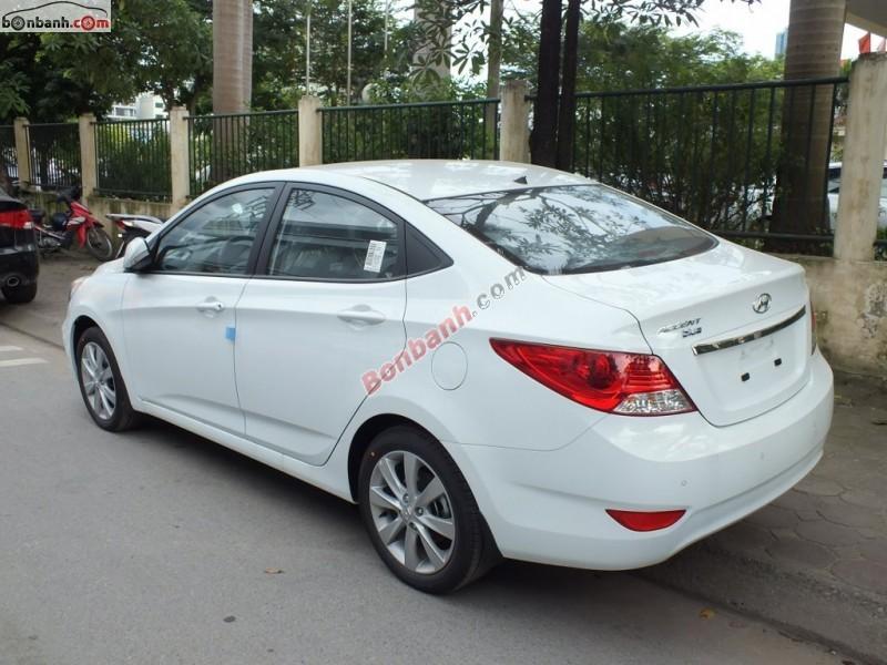 Bán ô tô Hyundai Accent Blue 2015, màu trắng, xe nhập