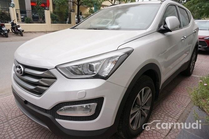 Xe Hyundai Santa Fe CRDI 2015 mới màu trắng đang được bán