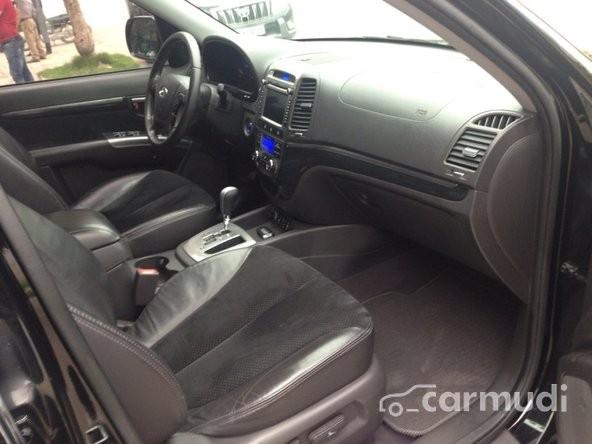 Bán xe Hyundai Santa Fe đời 2010, màu đen chính chủ giá 980tr
