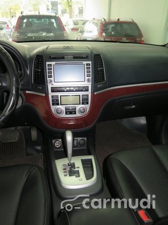 Xe Hyundai Santa Fe MX 2009 cũ màu bạc đang được bán