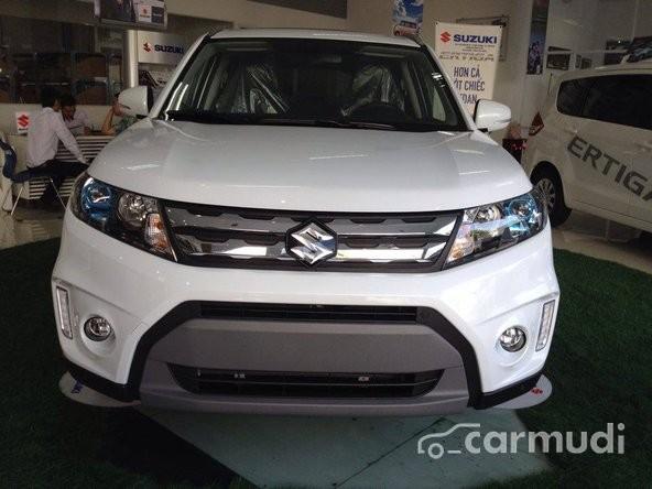 Suzuki Vitara đời 2015, màu trắng giá tốt cần bán