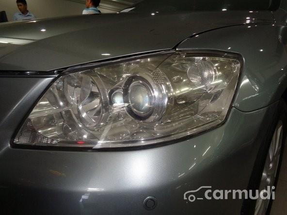 Xe Toyota Camry 3.5 Q 2009 cũ màu bạc đang được bán