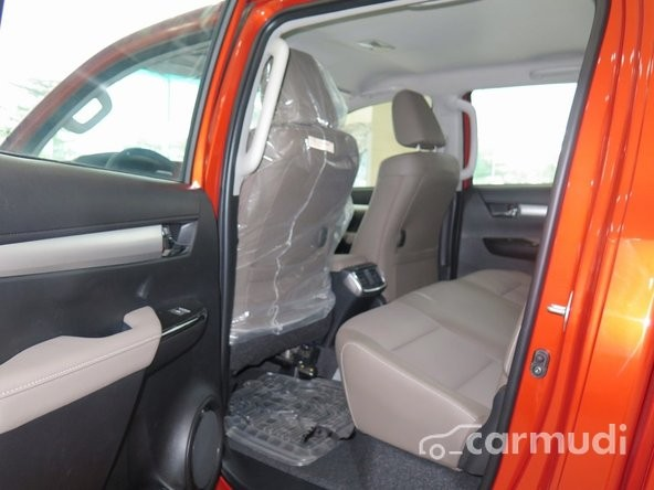 Cần bán xe Toyota Hilux 3.0G AT đời 2015, giá tốt