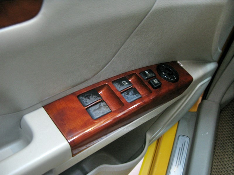 Bán Geely Emgrand EC718 năm 2012, màu vàng, nhập khẩu chính hãng