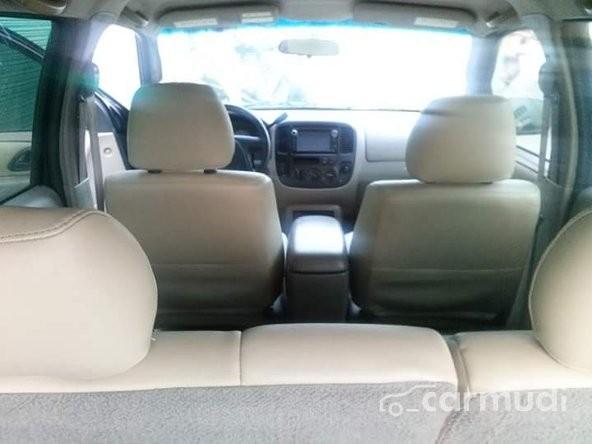 Ford Escape 2002 màu đen xe tư nhân, xuất xứ Việt Nam