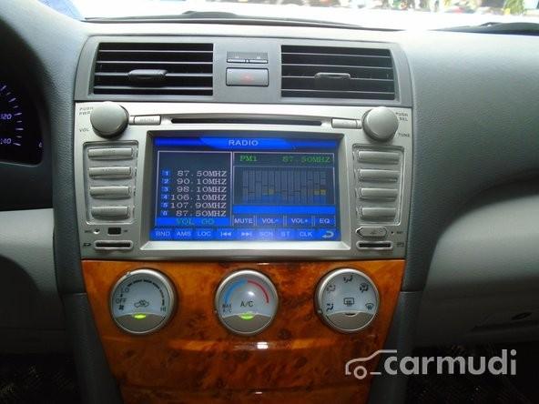 Xe Toyota Camry LE full option 2009 cũ màu bạc nhập khẩu trực tiếp từ USA đang được bán