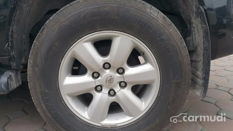 Toyota Fortuner G sản xuất 2010, máy dầu, số sàn, màu đen