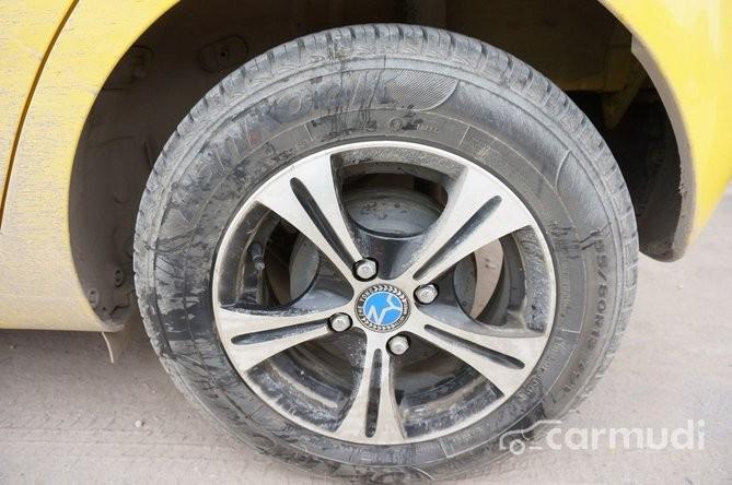 Auto K bán Chevrolet Spark AT đời 2011, màu vàng, nhập khẩu chính hãng, 215 triệu