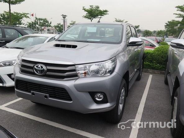 Toyota Hilux 2.5E MT sản xuất 2015, 693 triệu
