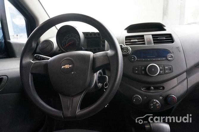Bán Chevrolet Spark AT đời 2011, màu tím, giá tốt