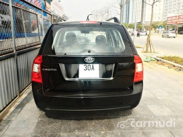 Cần bán xe Kia Carens 1.6 MT sản xuất 2011, màu đen, giá bán 345tr