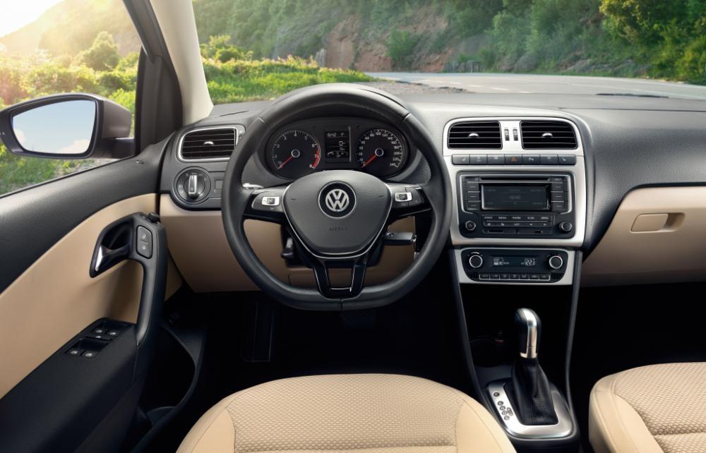 Cần bán xe Volkswagen Polo E đời 2017, màu nâu, xe nhập - Hotline: 0909 717 983