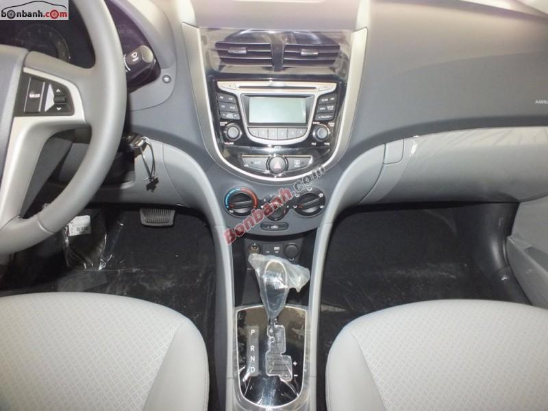 Bán Hyundai Accent Blue 1.4AT sản xuất 2015, màu bạc, nhập khẩu chính hãng