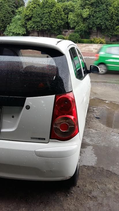Cần bán xe Kia Morning năm 2010, màu trắng, nhập khẩu, đã có biển