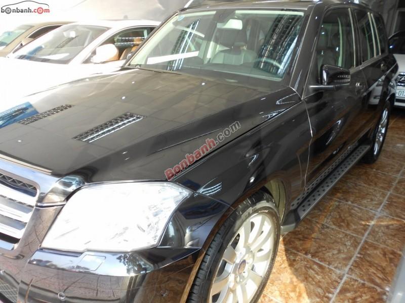 Bán Mercedes GLK 300 2011, màu đen số tự động - Tặng 20% phí bảo hiểm thân vỏ xe 1 năm