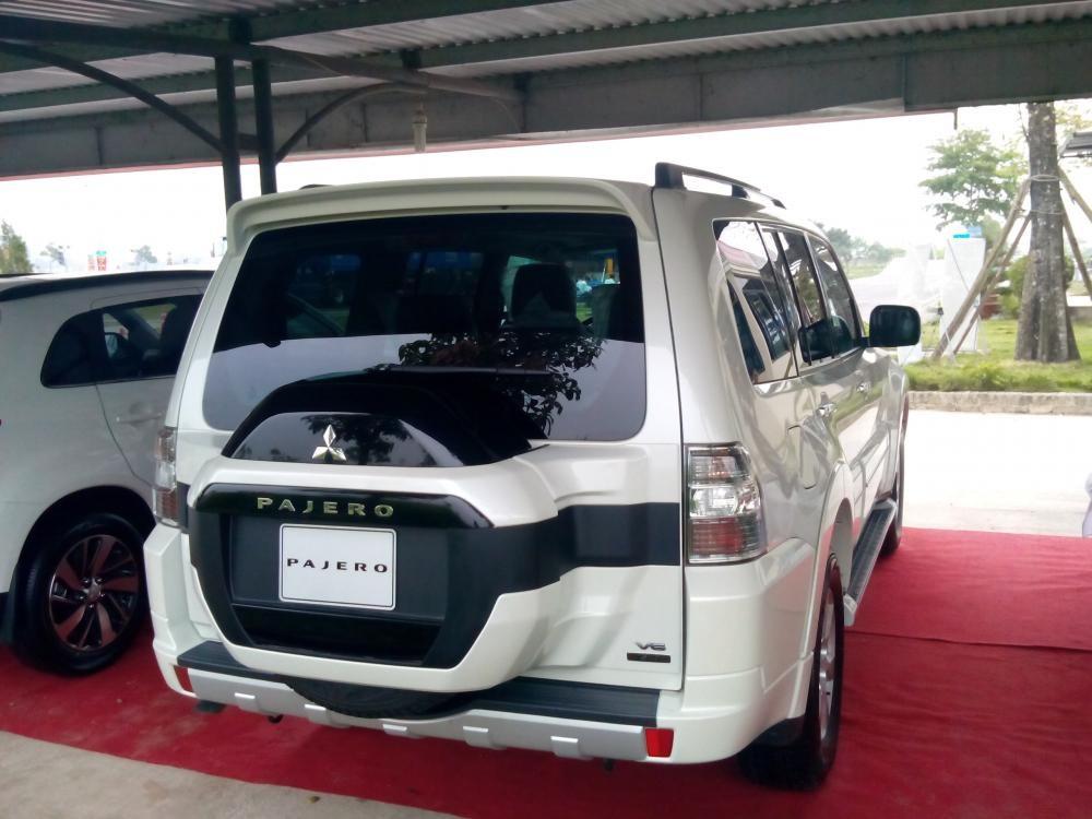 Bán Mitsubishi Pajero GLS đời 2015, màu trắng, nhập khẩu chính hãng
