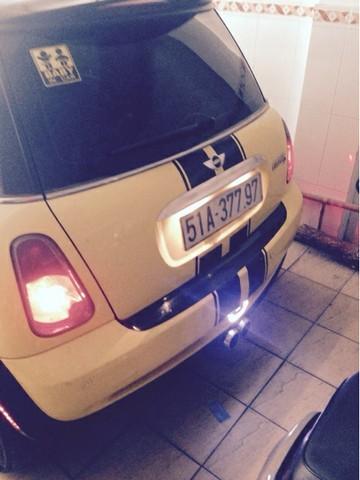 Cần bán xe Mini Cooper đời 2005, màu vàng, nhập khẩu nguyên chiếc, xe gia đình, 530 triệu