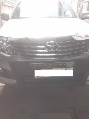 Cần bán gấp Toyota Fortuner sản xuất 2013, màu bạc, nhập khẩu nguyên chiếc, 890tr