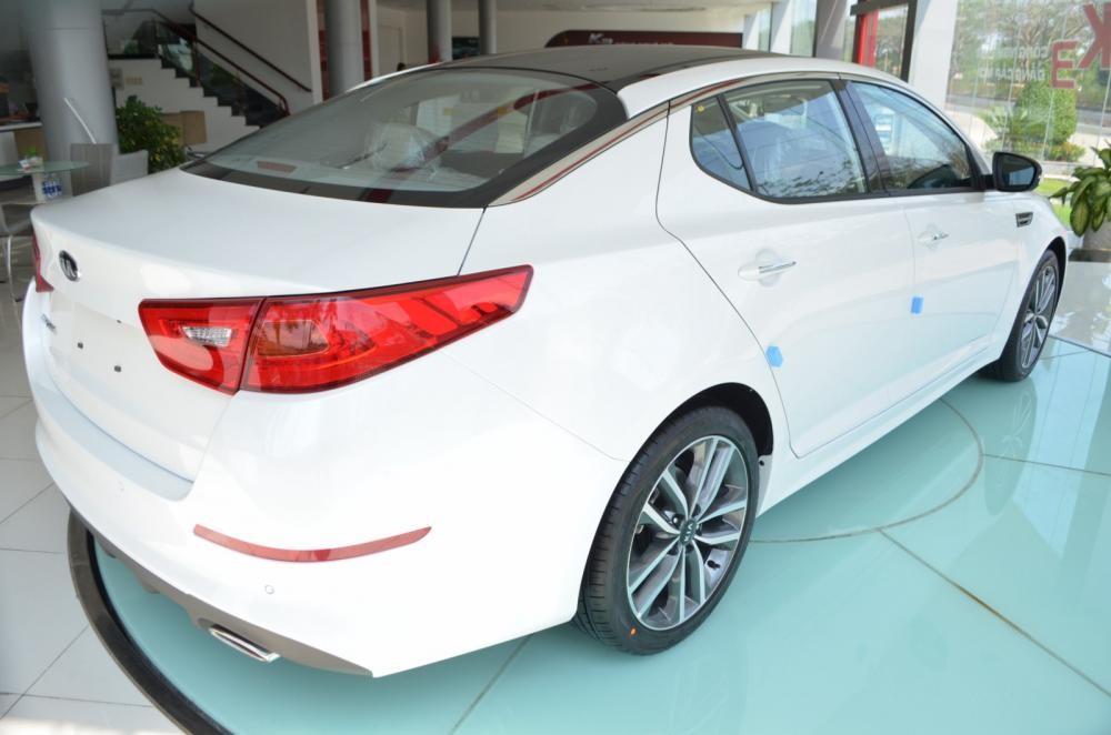 Bán ô tô Kia K5 (Optima) 2.0L AT đời 2015, màu trắng, nhập khẩu nguyên chiếc