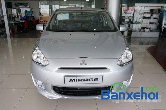 Mitsubishi Mỹ Đình cần bán Mitsubishi Mirage năm 2015, màu bạc, nhập khẩu