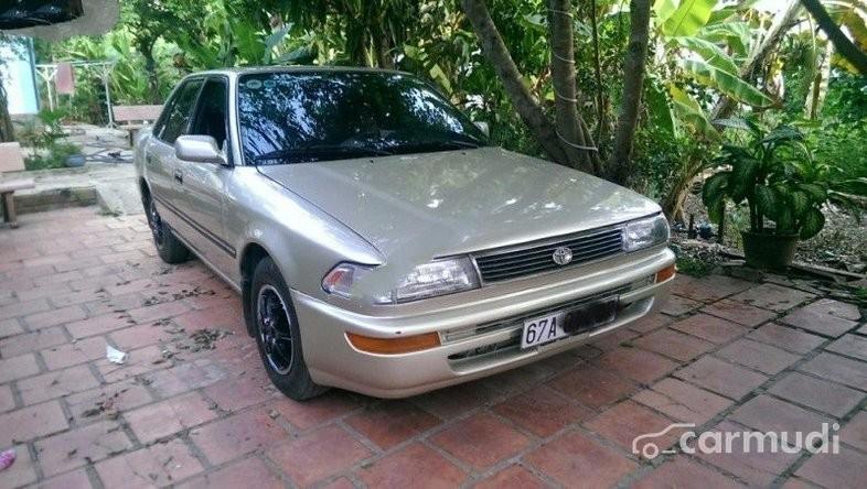 Cần bán xe Toyota Corona MT đời 1990 đã đi 60000 km