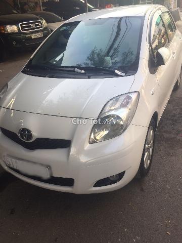 Cần bán lại xe Toyota Yaris sản xuất 2009, màu trắng, nhập khẩu, còn mới, 520 triệu
