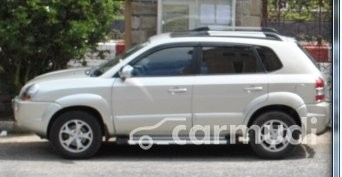 Cần bán gấp Hyundai Tucson đời 2009 số tự động, giá 475tr