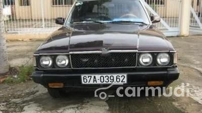 Cần bán lại xe Toyota Corona MT sản xuất 1989, màu đen đã đi 50000 km, giá chỉ 75 triệu