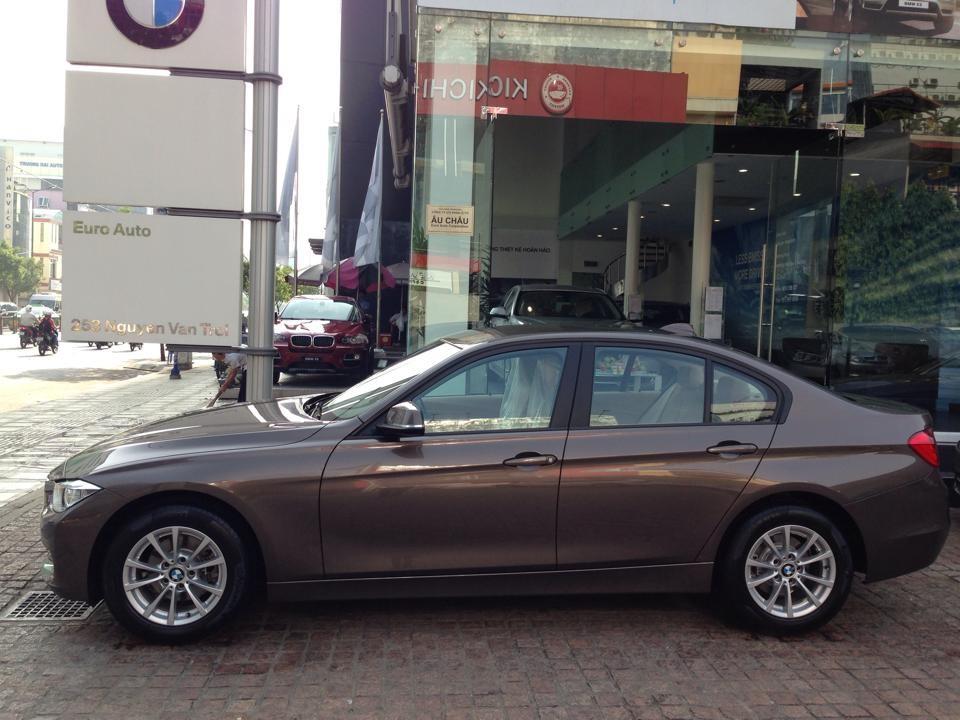 Cần bán BMW 320i đời 2015, màu nâu, xe nhập