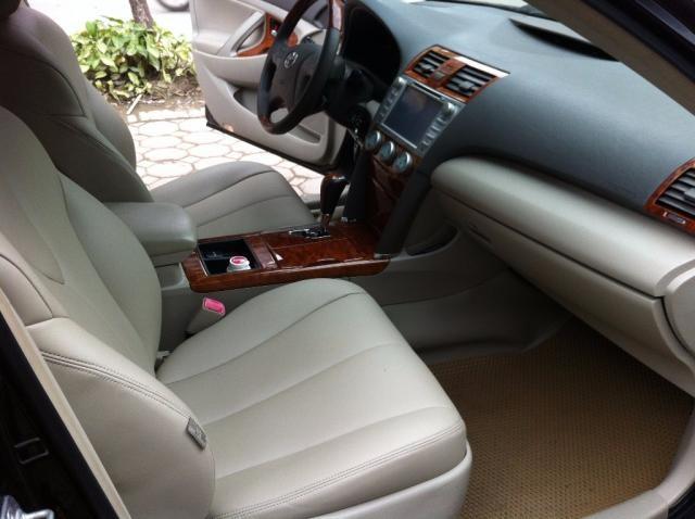 Bán xe Camry 3.5 LE, xuất mỹ 2009, mầu đen. Xe gia đình sử dụng chạy giữ gìn nên còn rất mới