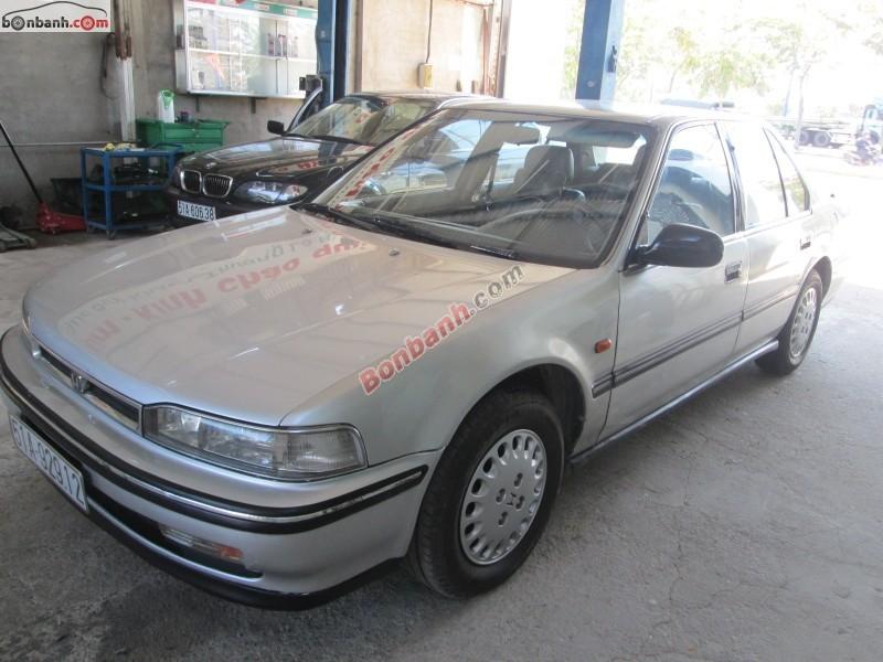 Cần bán Honda Accord đời 1992, màu bạc, nhập khẩu chính hãng chính chủ
