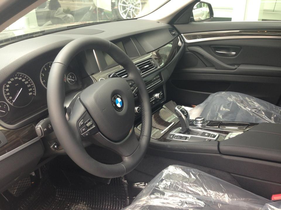 Bán BMW 5 Series 520i LCi đời 2015, màu xám, nhập khẩu chính hãng