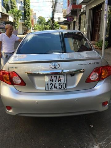 Bán xe Toyota Corolla Altis đời 2010, màu bạc, xe nhập, 690tr