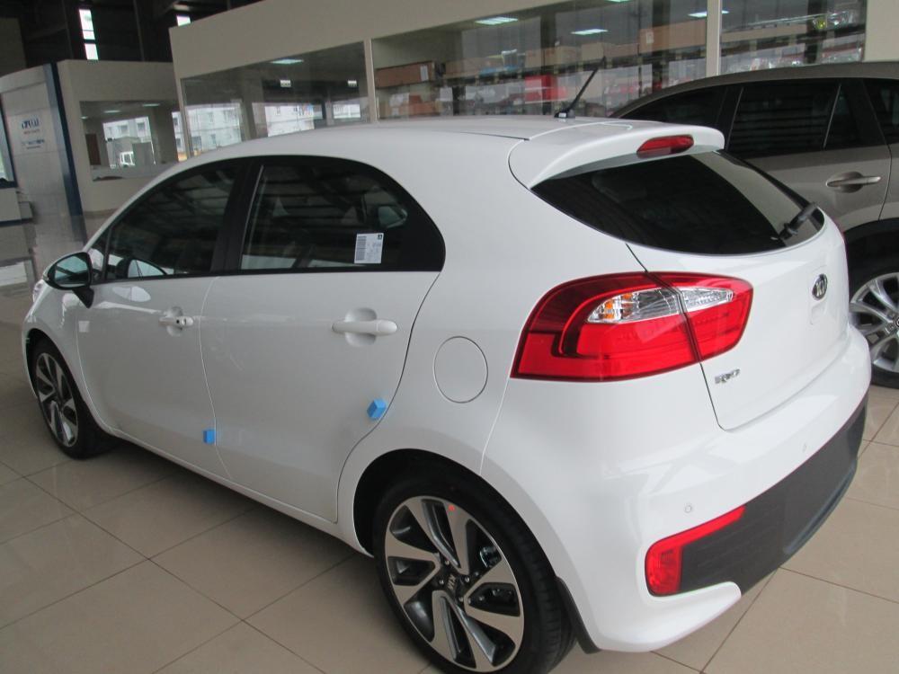 Bán Kia Rio đời 2016, màu trắng, nhập khẩu chính hãng