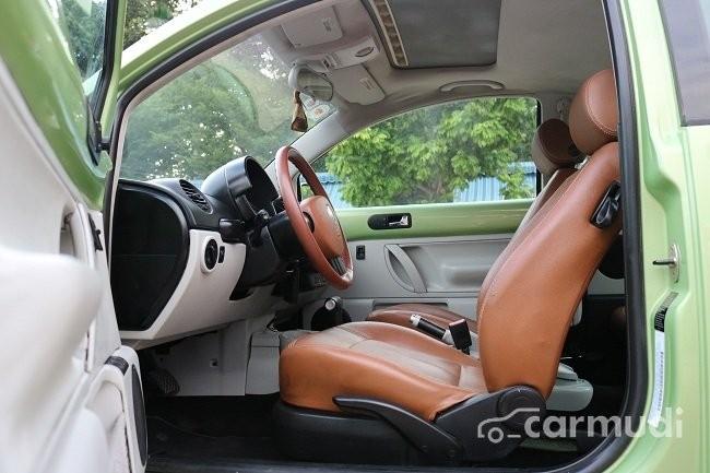 Bán xe Volkswagen Beetle 2002, màu xanh, giá 415tr