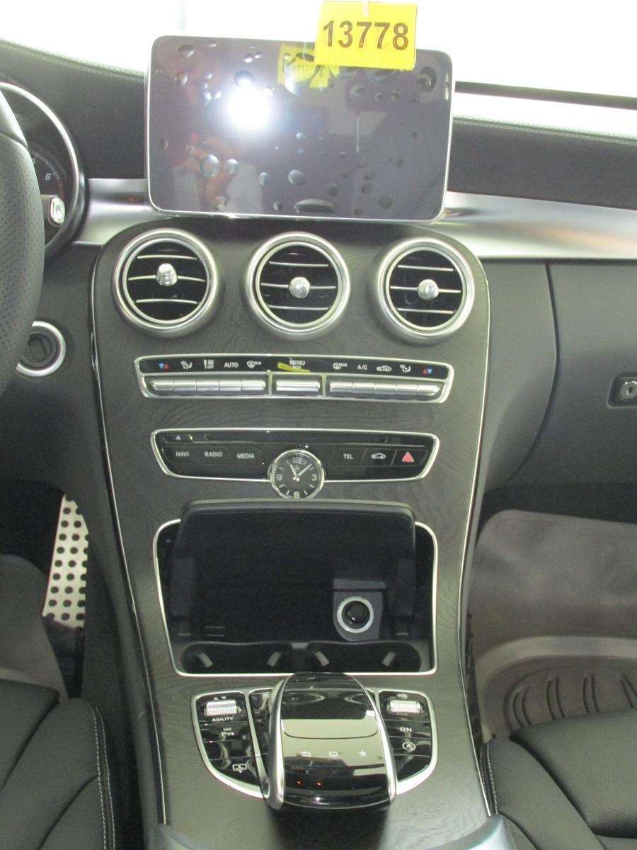 Bán Mercedes đời 2015, màu trắng, đảm bảo chất lượng