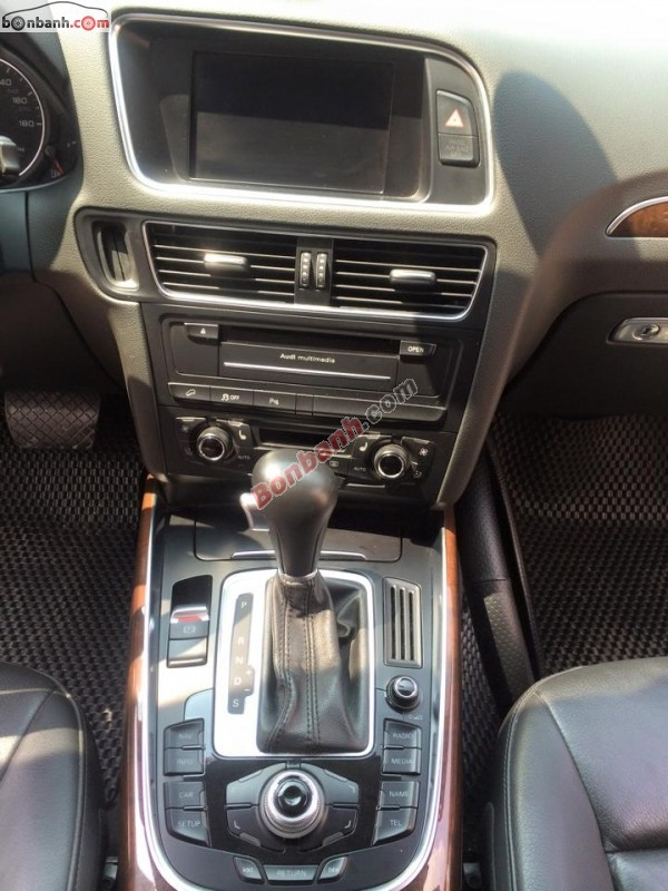 Cần bán lại xe Audi Q5 đời 2012, màu trắng, nhập khẩu chính hãng