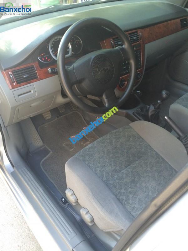 Bán ô tô Chevrolet Lacetti 1.6MT đời 2011, màu bạc, chính chủ