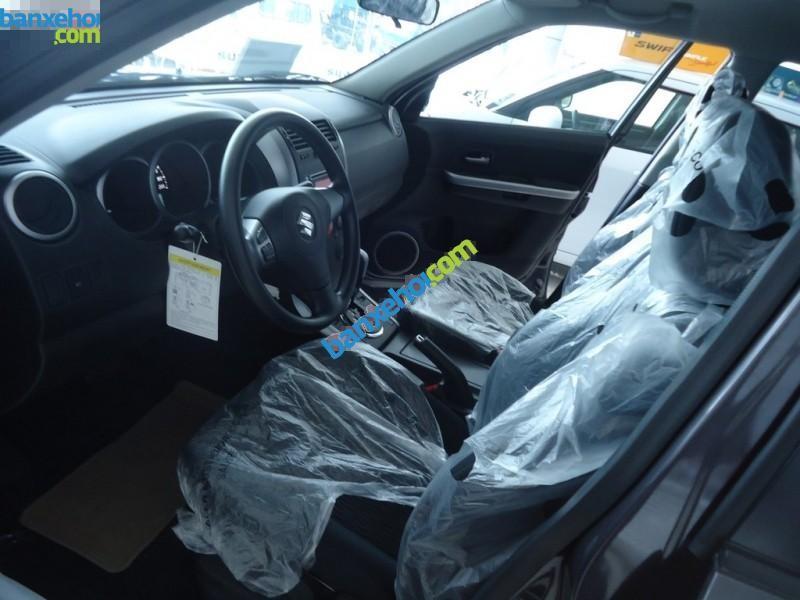 Bán xe Suzuki Grand Vitara năm 2015, màu đen, xe nhập
