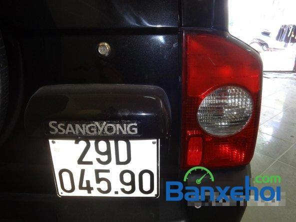 Bán Ssangyong Korando đời 2004, màu đen, xe nhập