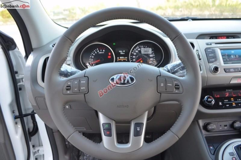 Bán Kia Sportage 2.0 GAT đời 2015, màu trắng, nhập khẩu chính hãng