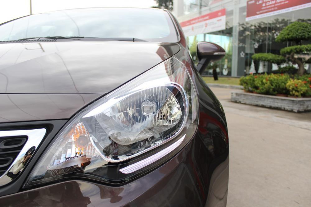 Xe Kia Rio 1.4AT Sedan ghế da, DVD giá 540 triệu chưa giảm