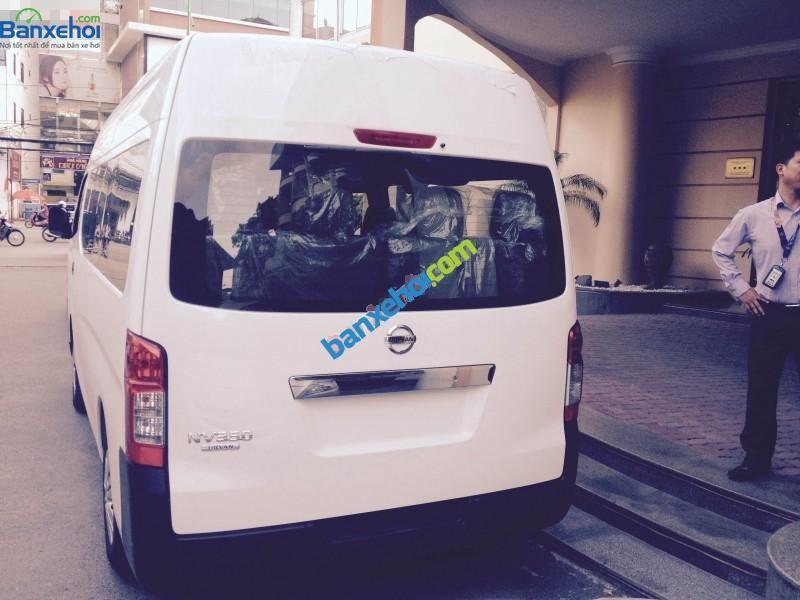 Cần bán xe Nissan Urvan năm 2015, màu bạc, nhập khẩu