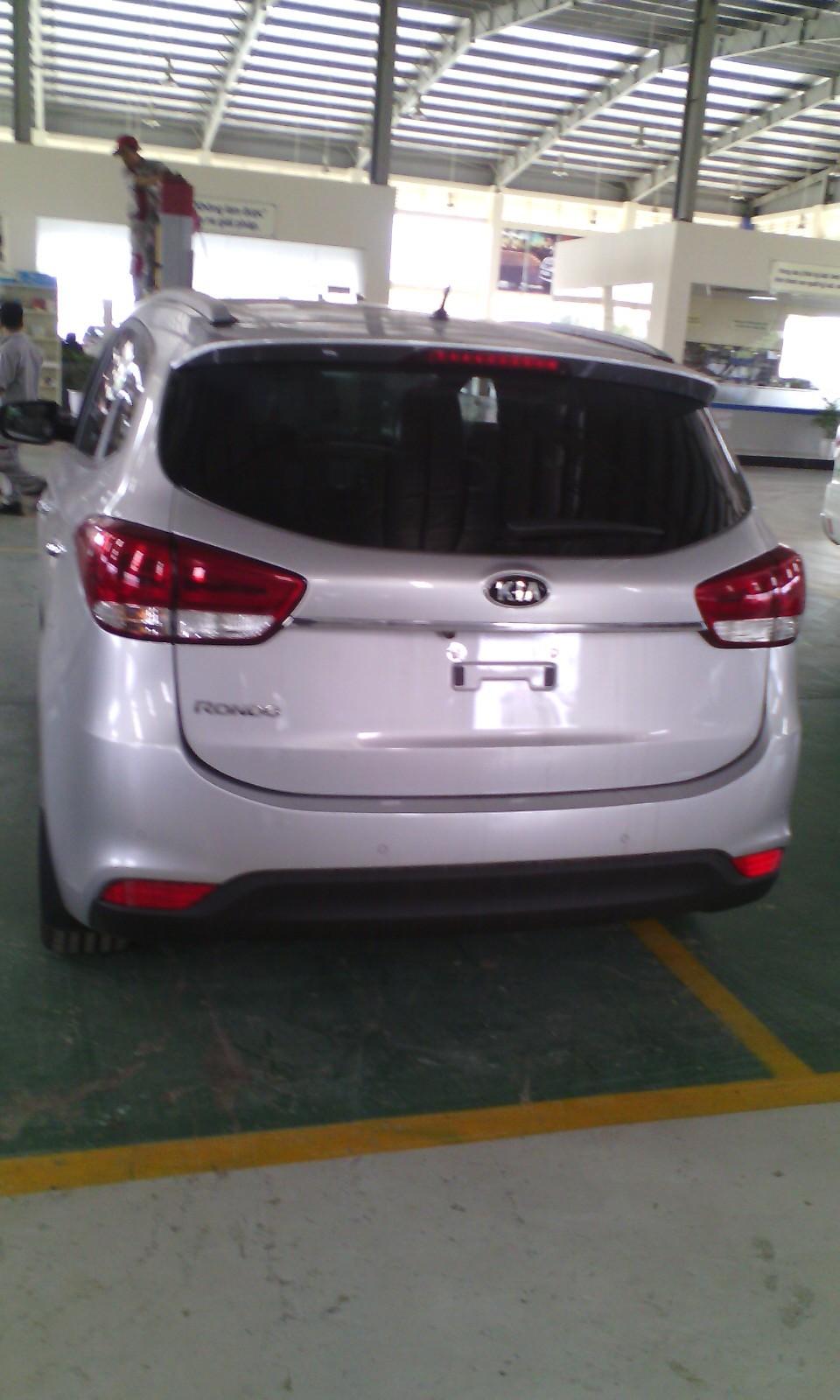 Bán xe Kia Rondo 2.0 GATH đời 2016, giá 769tr