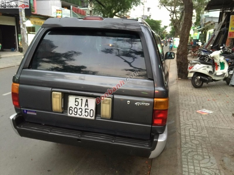 Cần bán Toyota 4 Runner đời 1992, màu xám, giá 160tr
